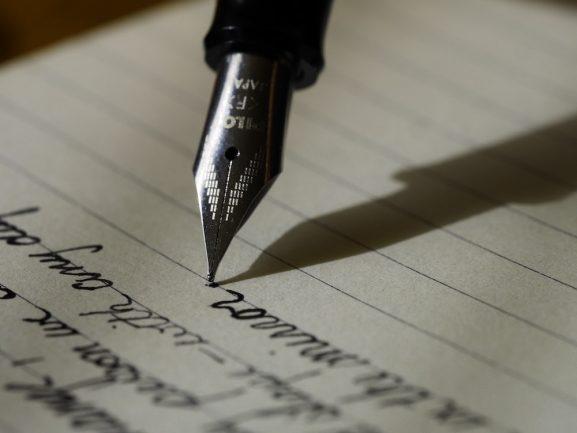 stylo et cahier